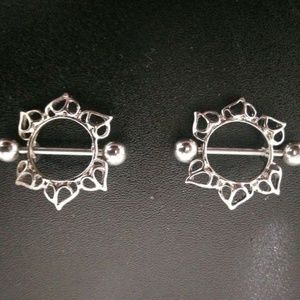 2Pcs Surgical Steel Floral Nipple Ring